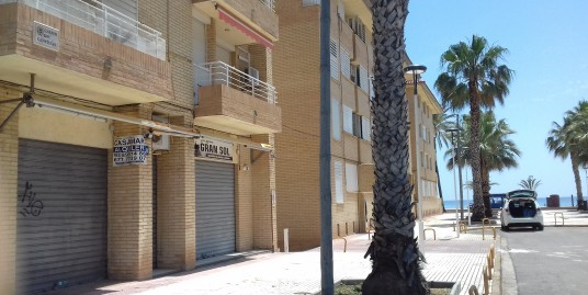 LOCAL COMERCIAL VENTA/ ALQUILER – VENDRELL, PLAYA SANT SALVADOR